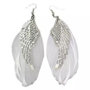 Jewelry - 🦋NEW! Angel Wing/White Feather Earrings